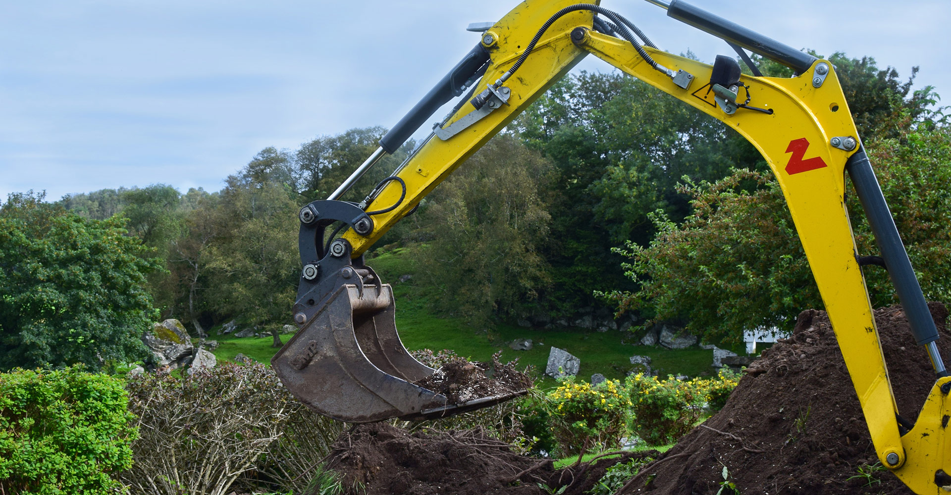 Db Tree and Garden - Domestic & Commercial LMachine hire with operators - North East